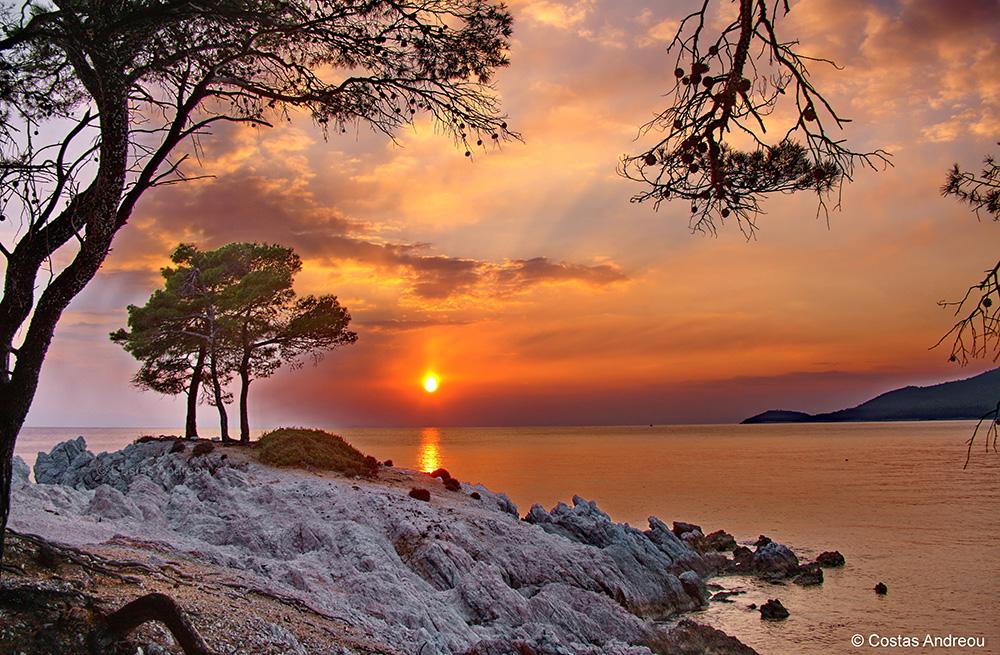 Top Greek wedding & honeymoon destinations